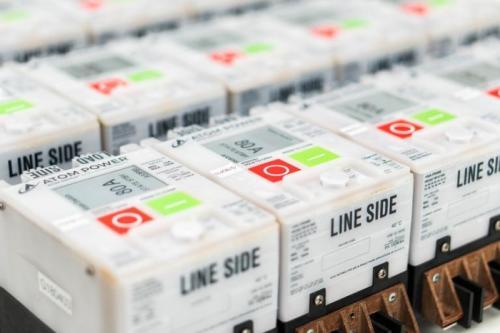 全球首款数字断路器获商用认证,支持手机远程管理